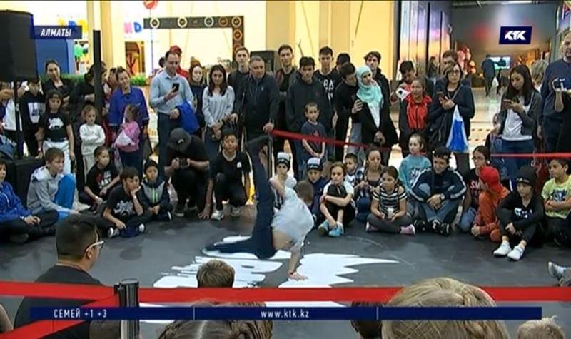 Лучших танцоров Средней Азии определяли в Алматы