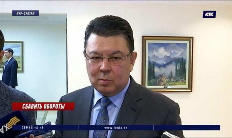 Министр энергетики попросил прекратить «всякие слухи» о подорожании бензина