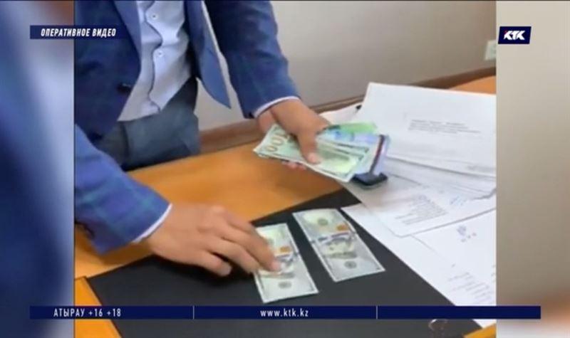 Пойманный на возврате денег взяточник попросил ускорить расследование
