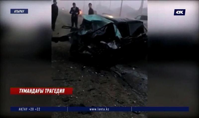 Атырау: Химиктер ауылының маңында сұмдық жол апаты болды
