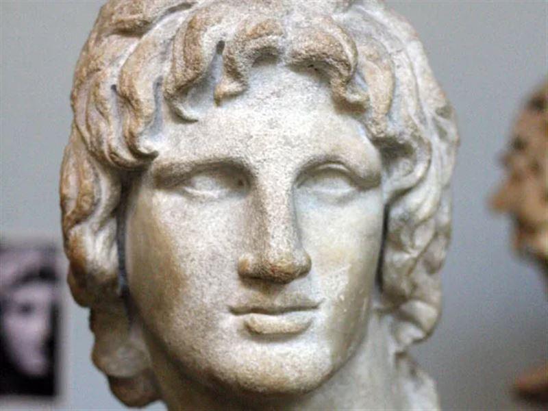 Стало известно, из-за чего скончался Александр Македонский