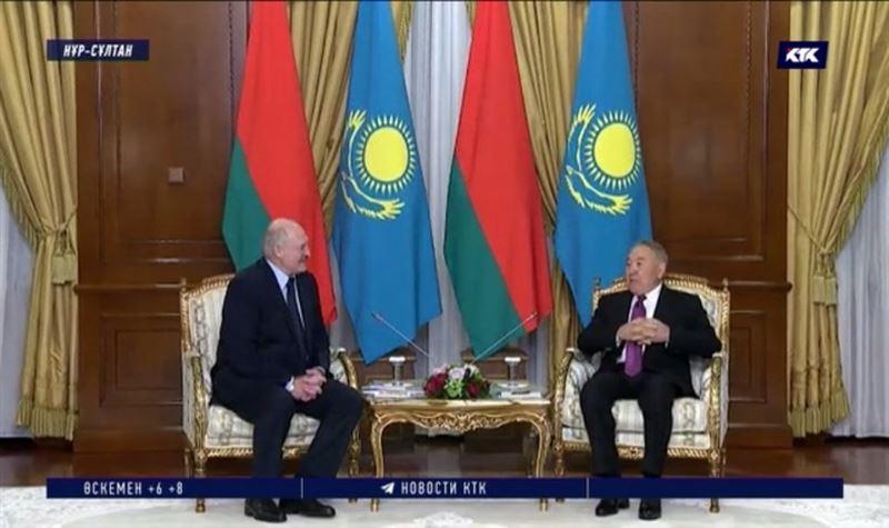 Назарбаев Лукашенкомен кездесіп, табысты жылдарын еске алды