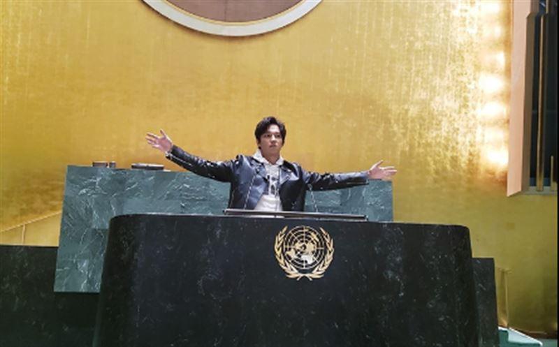 Певец Димаш Кудайберген получил приглашение в ООН