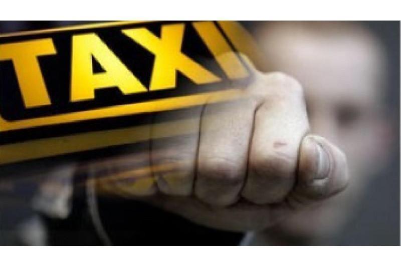Түркістан облысында таксисті ұрып-соғып, көлігін тартып алған