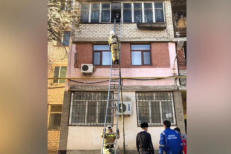Қызылордада өртенген үйдің балконынан секірген тұрғын көз жұмды