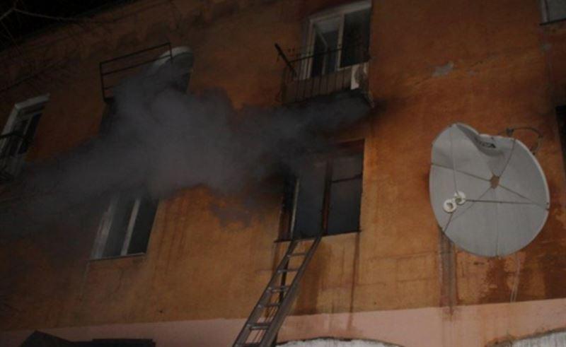 Парень выпрыгнул из окна, спасаясь от пожара