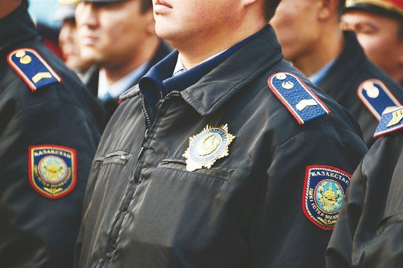 Ақтөбелік полицейлер талмасы ұстаған жүргізушінің өмірін сақтап қалды