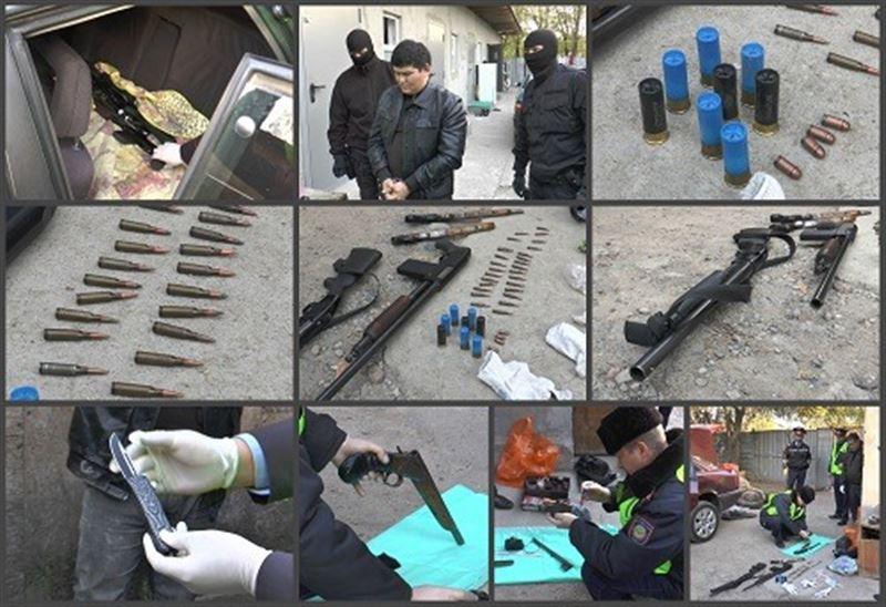 Арсенал оружия обнаружили оперативники у мужчины в Алматы