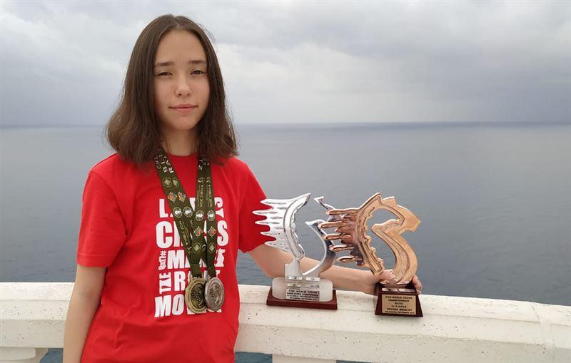 14-летняя казахстанка взяла серебро и бронзу на чемпионате мира по рапиду