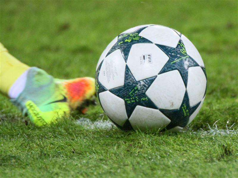 Футболиста удалили с поля за убийство курицы во время матча