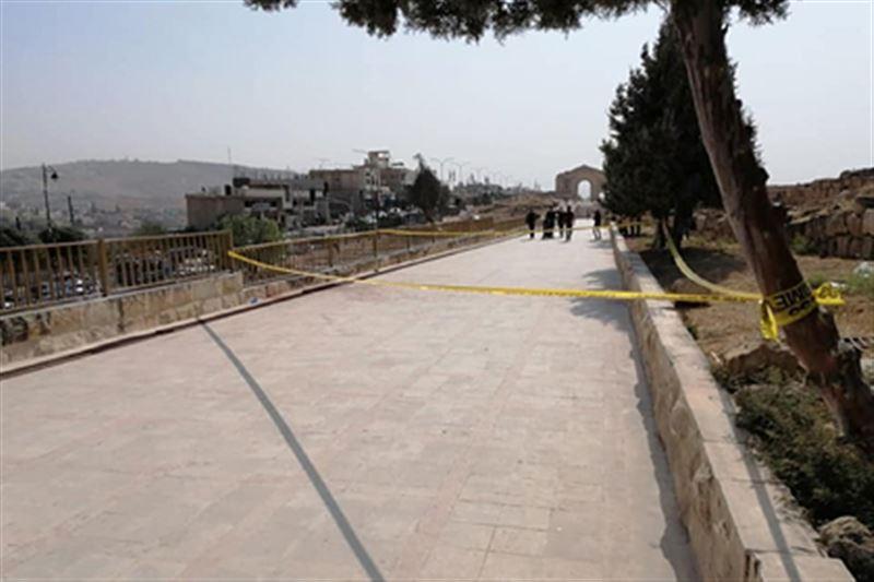 Мужчина с ножом напал на людей в иорданском городе