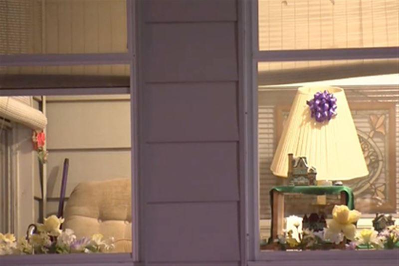 У 76-летней пенсионерки похитили прах покойного мужа