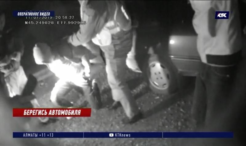 После нападения на таксиста в Алматинской области объявили план «Перехват»