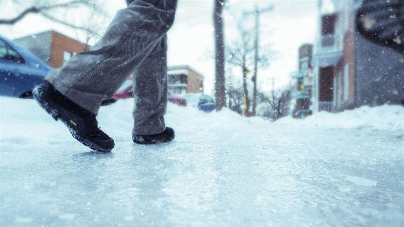 Метель и гололед прогнозируют в Казахстане на 10 ноября