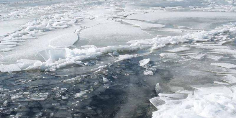 Трое детей провалились под лед в Житикаре