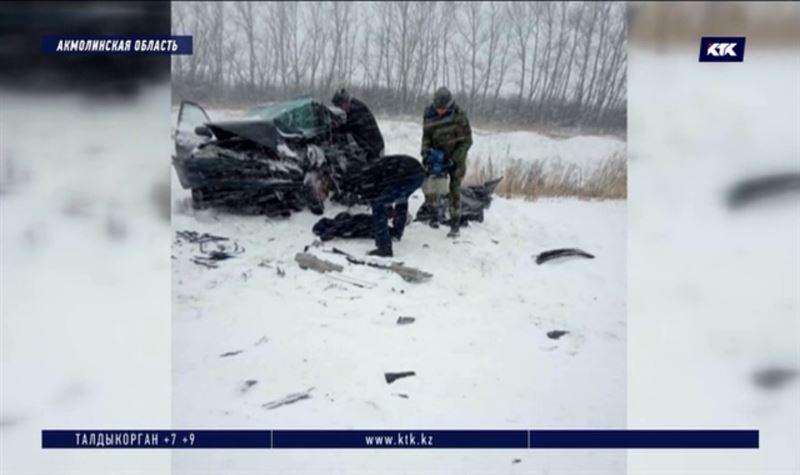 Мужчина с сыном погибли в ДТП под Акколем