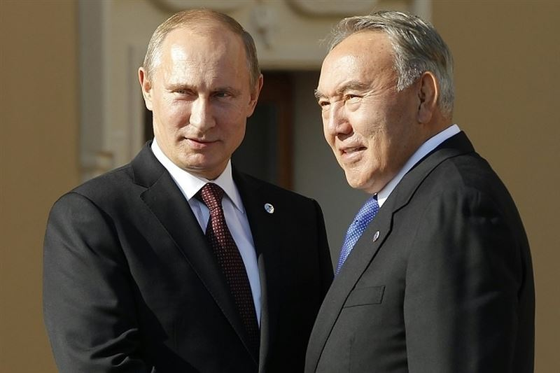 Елбасы Нурсултан Назарбаев провел телефонный разговор с главой России