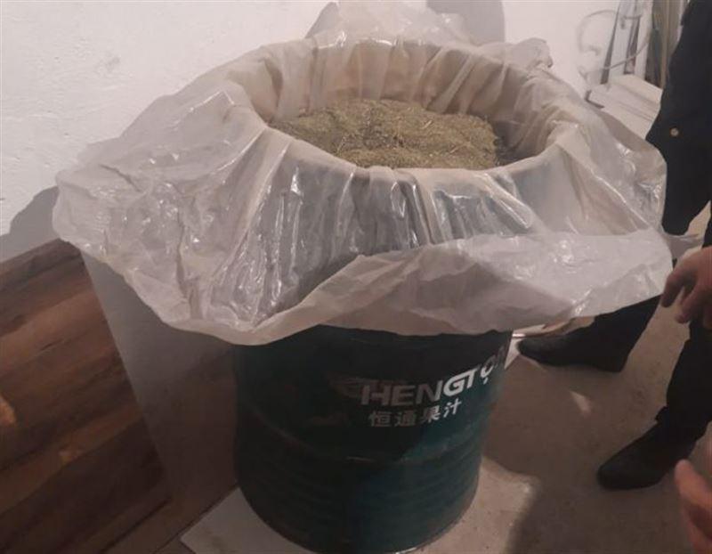 Житель Актау хранил 200-литровую бочку с марихуаной