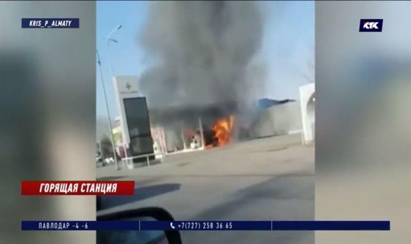 Пожар на алматинской АЗС уничтожил весь товар в магазине