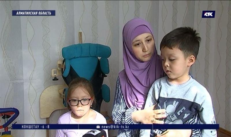 Двум малолетним детям-инвалидам необходимо лечение за рубежом