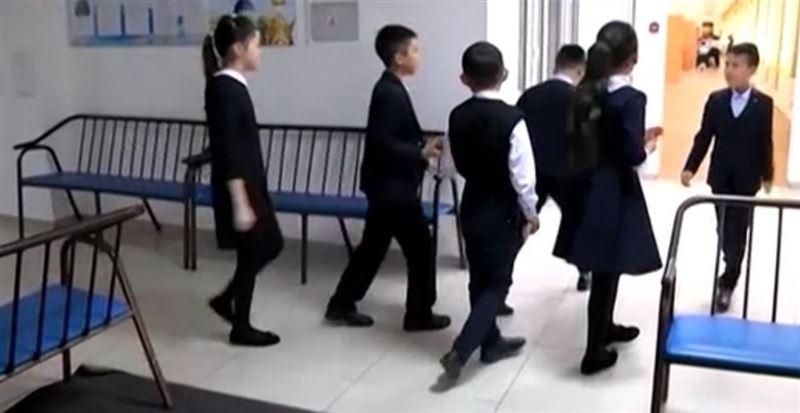 Көкшетауда 80 оқушы бір мезетте ауырды: Мамандар себебін айтты