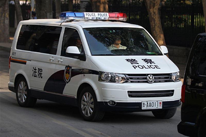 В Китае мужчина продал дочь незнакомцам