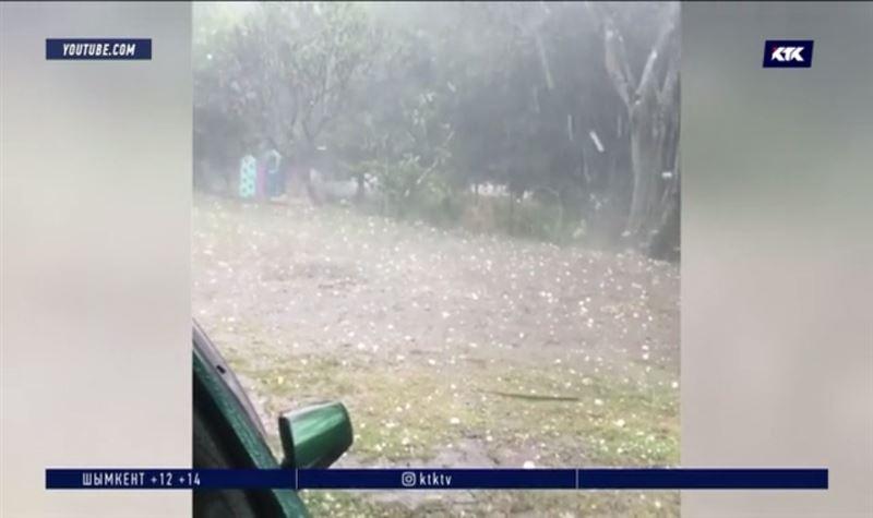 Гигантские градины оборвали высоковольтные линии в Австралии