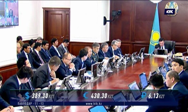 Глава Кабмина дал чиновникам неделю на спасение цен