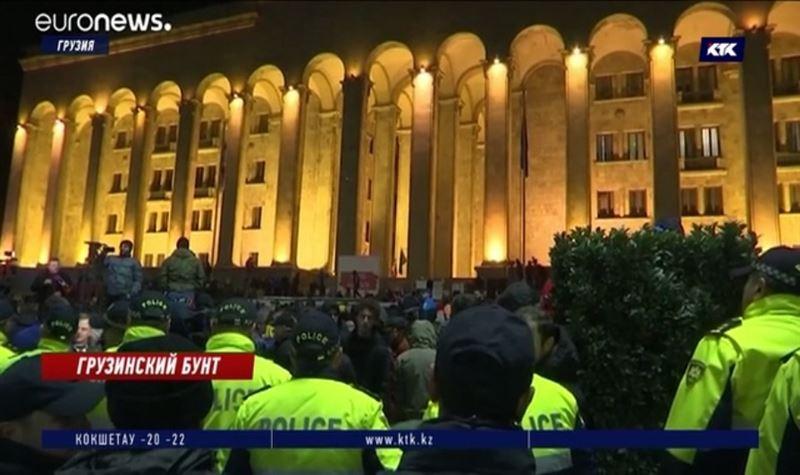 В Тбилиси оппозиционеры требуют внеочередных выборов и поправок в Конституцию
