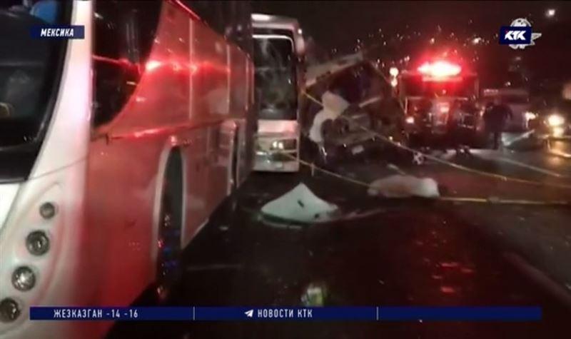 Водители трёх столкнувшихся автобусов скрылись с места ДТП