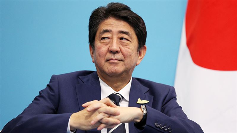 Премьер-министр Японии стал рекордсменом по длительности пребывания на посту