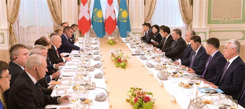 Главы Казахстана и Швейцарии провели переговоры в расширенном составе