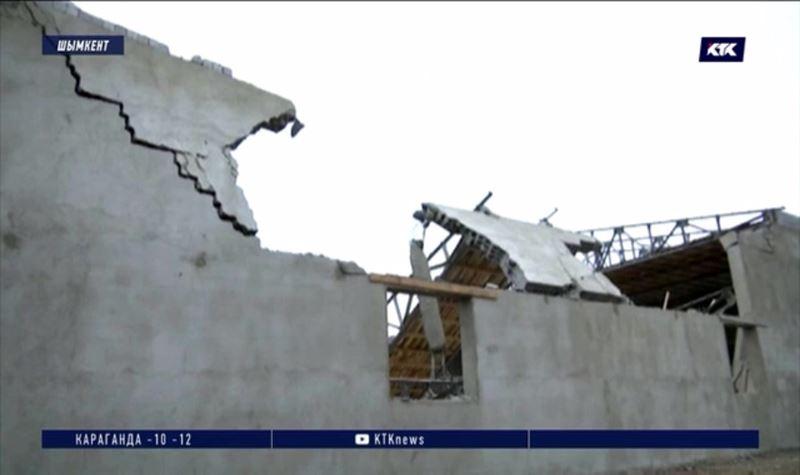 Пострадавший от обрушения строившегося ресторана рабочий остаётся в реанимации