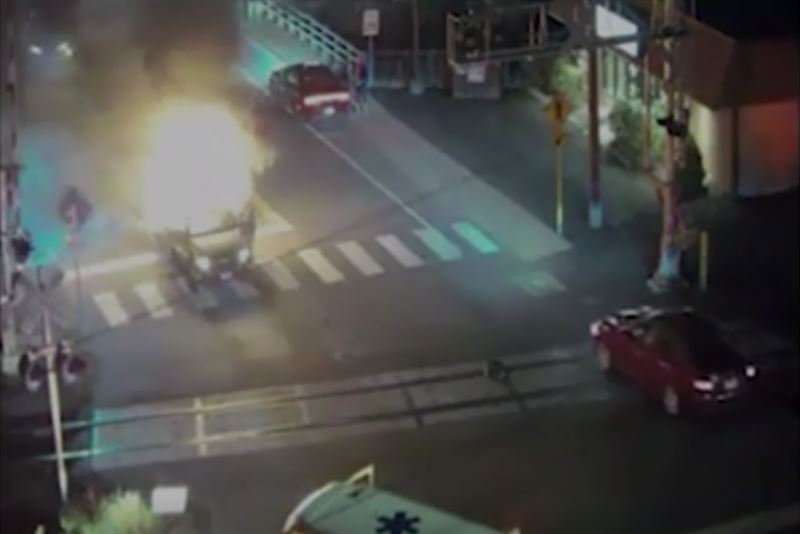 Американец вытащил незнакомца из охваченной пламенем машины