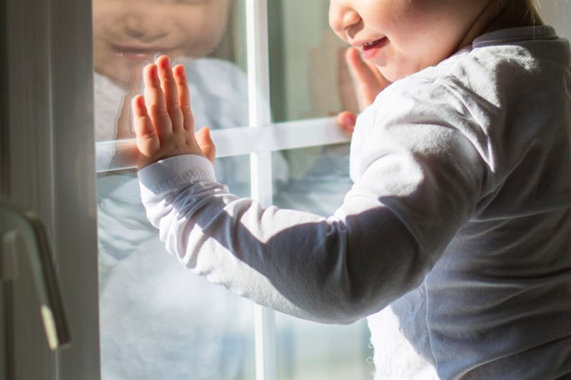 4-летний мальчик выпал с пятого этажа и выжил