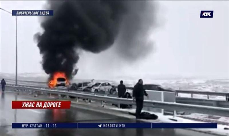 Непогоду и безответственных водителей винят в ДТП с 15 пострадавшими