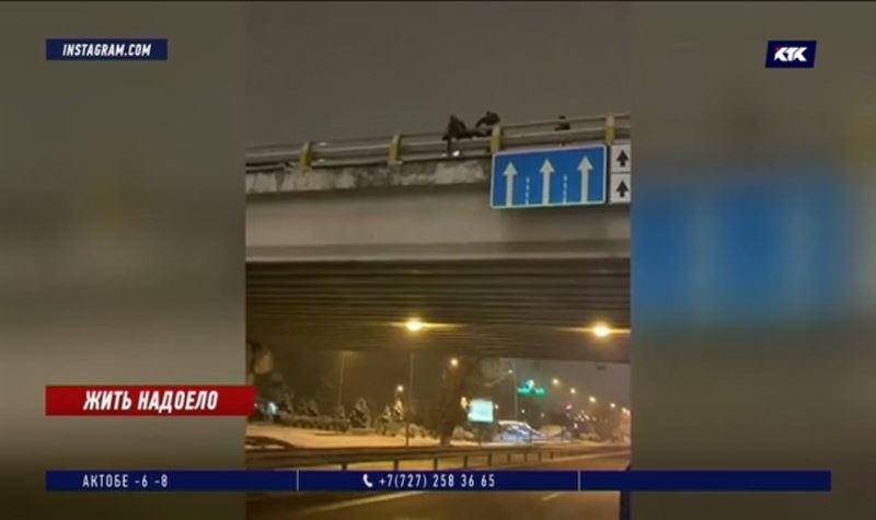 Таксист пошёл на крайние меры, спасая самоубийцу