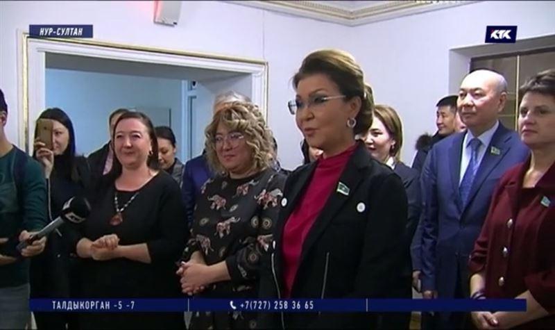 Парламентарии пообещали помочь инклюзивному театру из Петропавловска