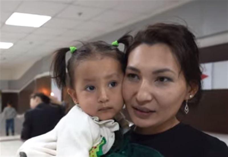 Үш жасар қазақстандық қыз жәрмеңкеде автокөлік ұтып алды