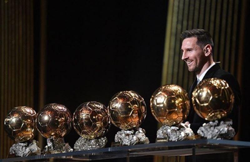 Месси стал обладателем «Золотого мяча» в шестой раз