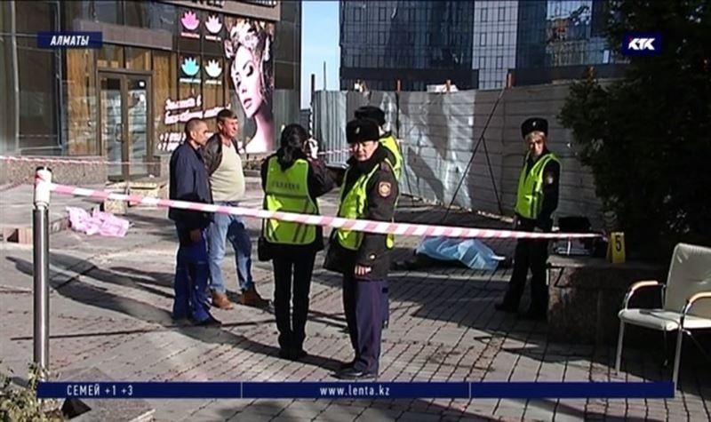 Алматинец покончил с собой, выпрыгнув из окна 12-го этажа «Нурлы Тау»