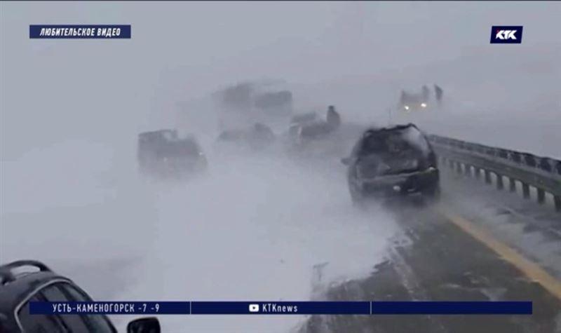Больше 130 человек оказались в беде на заснеженных трассах