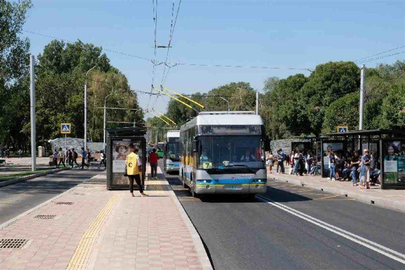 Алматыда такси көліктеріне автобус жолағымен жүруге рұқсат берілмек