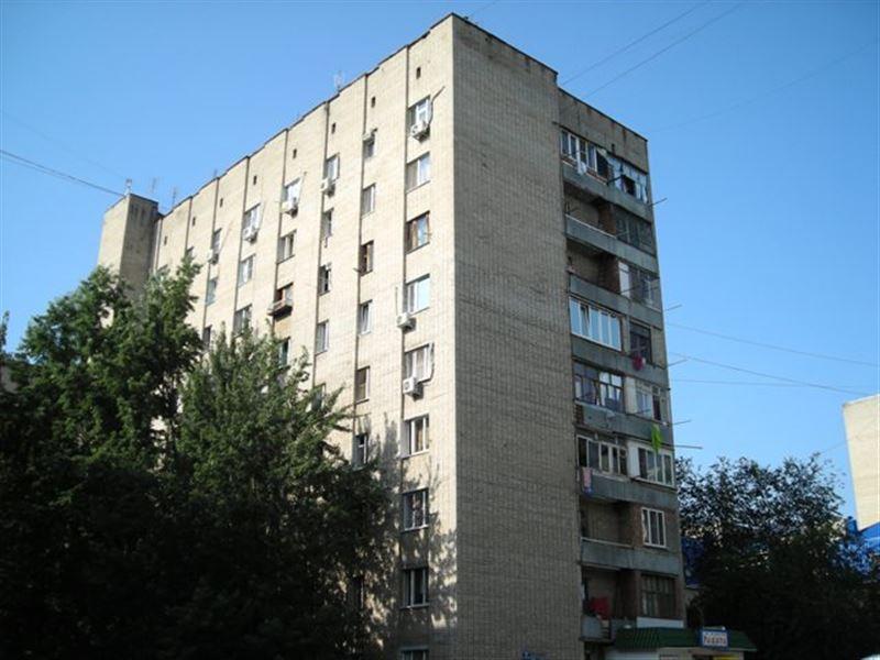 9-этажка, построенная по госпрограмме, накренилась в Алматы