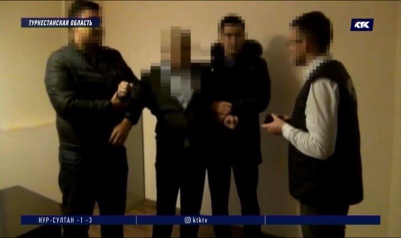 Полицейские подкупали судью в Туркестанской области