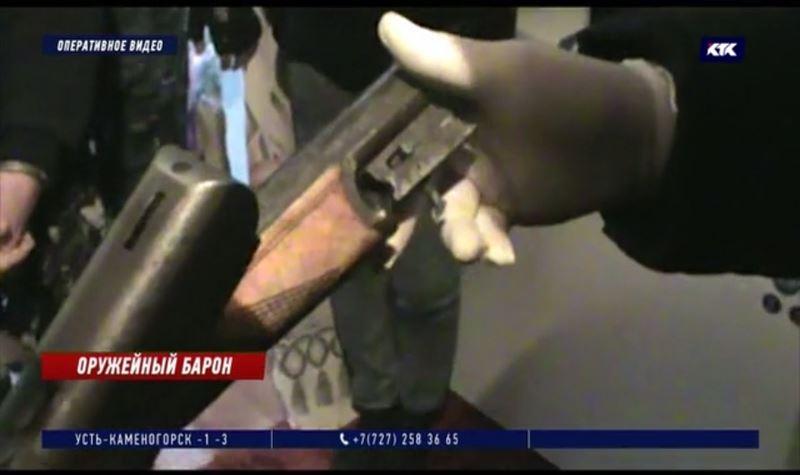 При обыске у 25-летнего наркоторговца изъято огнестрельное оружие