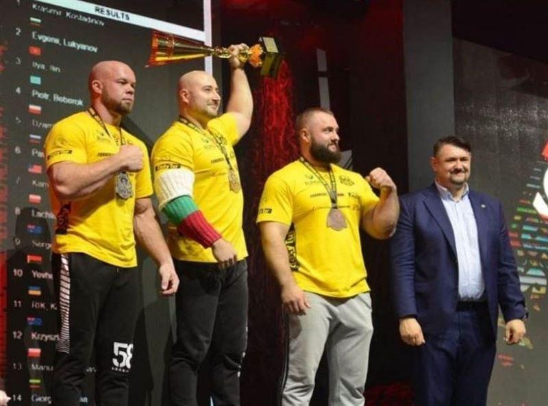 Казахстанец Илья Ильин взял «бронзу» на кубке мира по армрестлингу в Польше