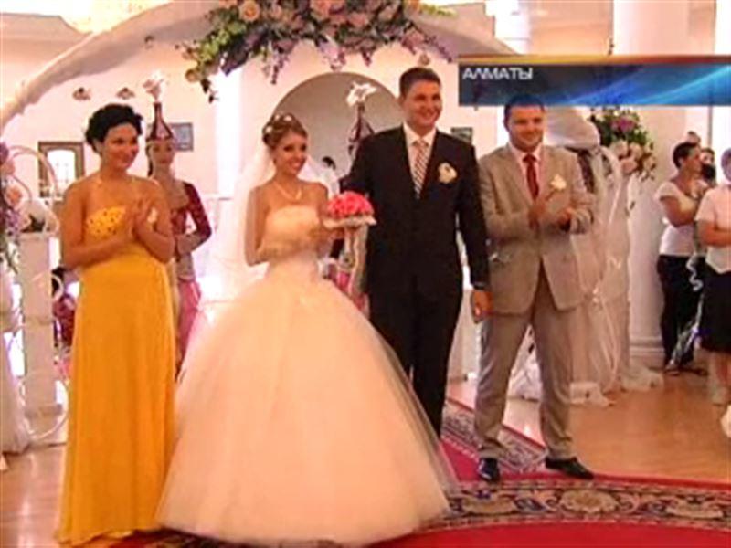 Еще одна пара из программы КТК «Давай поженимся» сыграла свадьбу