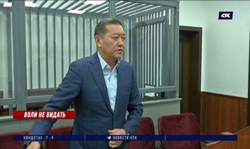 Осуждённому экс-премьеру Ахметову опять отказали