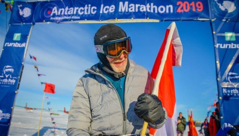 84-летний канадец принял участие в Антарктическом марафоне